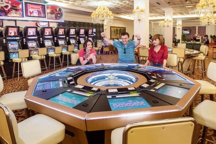Casino Hạ Long còn được biết đến với cái tên là Royal International Gaming Club