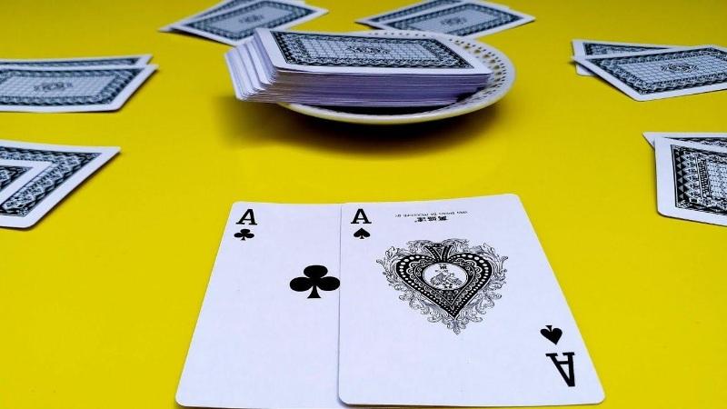 Xì lát là trò chơi Blackjack nổi tiếng trên các sòng bài quốc tế