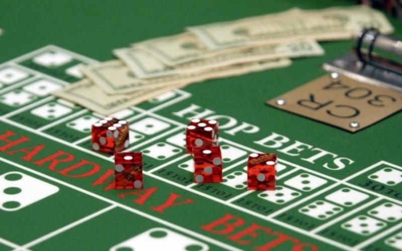Trước khi chơi bài cá cược tiền, bạn cần phải nắm rõ quy tắc của trò chơi
